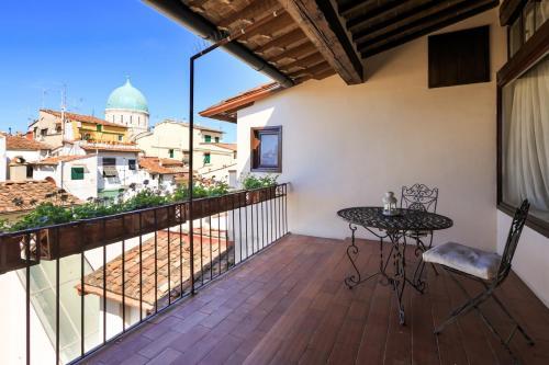 Uma varanda ou terraço em Hotel J and J