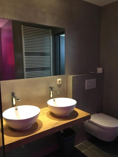 Een badkamer bij Resort Bungalows Dellewal