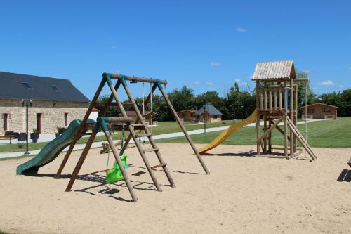 Aire de jeux pour enfants de l'établissement Domaine De Soignolles