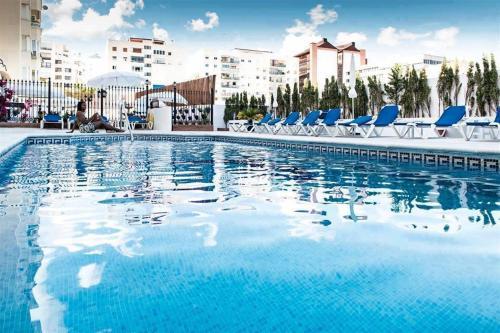 Piscina en o cerca de Hotel El Faro Marbella