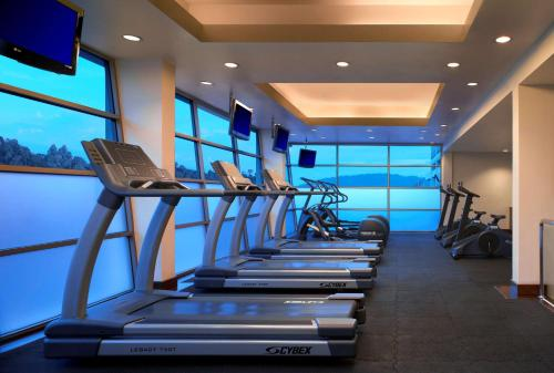 The fitness center and/or fitness facilities at Hyatt Regency Kinabalu