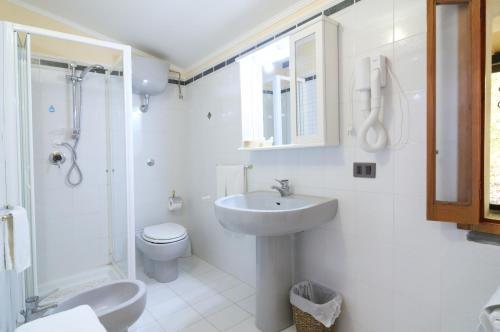 Un baño de Hotel Villa La Colombaia