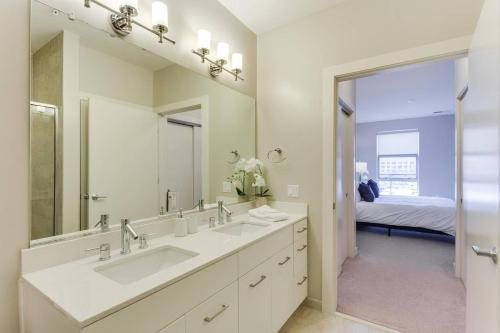 A bathroom at Two Bedroom on H Street