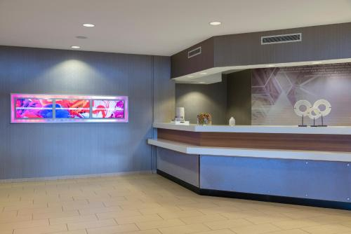 The lobby or reception area at SpringHill Suites Grand Rapids North