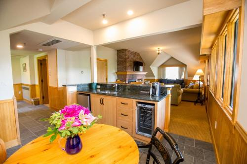 A kitchen or kitchenette at Trapp Family Lodge