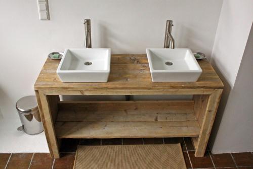 Een badkamer bij Bed & Breakfast Walenburg