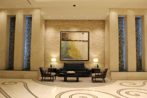 The lobby or reception area at Luxury Suites International at The Signature
