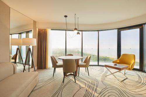 Radisson Blu Resort Swinoujscieにあるシーティングエリア