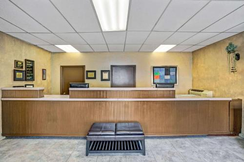 The lobby or reception area at Travelodge by Wyndham Las Vegas Center Strip