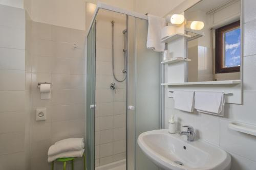 A bathroom at Hotel Cecile