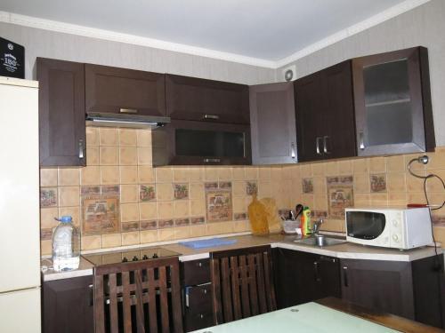 Кухня или мини-кухня в Большая Тульская 54