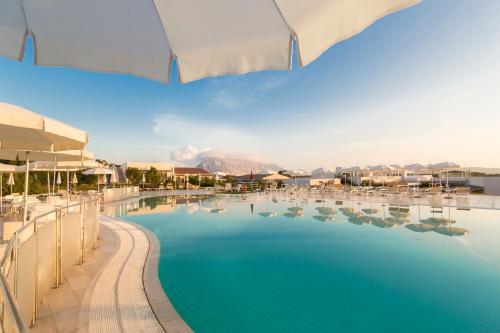 The swimming pool at or near Grande Baia Resort & Spa