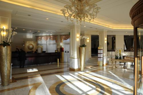 The lobby or reception area at Grand Visconti Palace