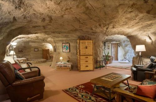 Istumisnurk majutusasutuses Kokopelli's Cave
