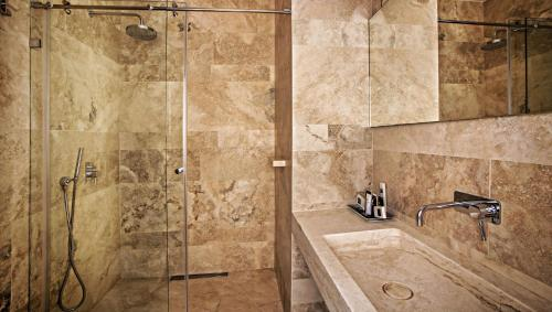 Bagno di Hotel Golden Crown