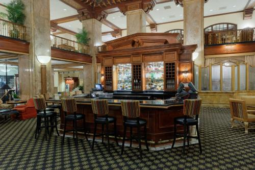 The lounge or bar area at Peabody Memphis