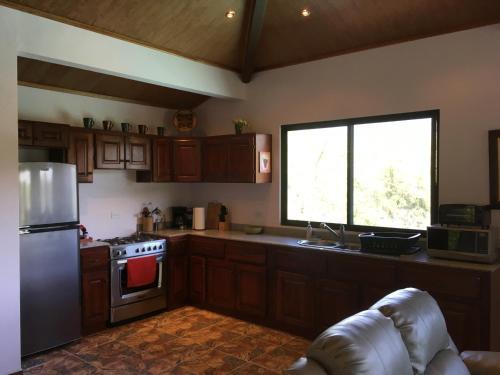 A kitchen or kitchenette at Casa Cielo Boquete