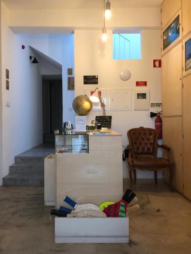 The lobby or reception area at Hostel do Mar
