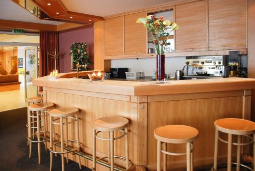 The lounge or bar area at myNext - Sommerhotel Wieden