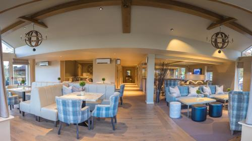 A restaurant or other place to eat at The Grand at Grasmere