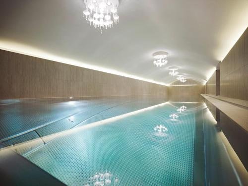 The swimming pool at or near Hotel Sans Souci Wien