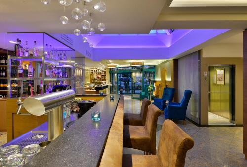 The lounge or bar area at Best Western Plus Hotel Erb