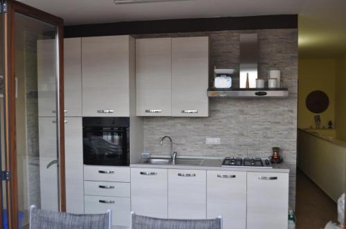 A kitchen or kitchenette at Villa Belvedere