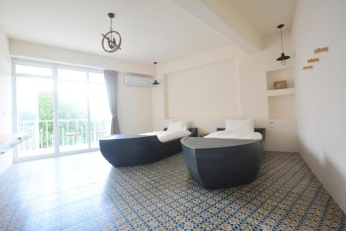 A seating area at Mare Cielo