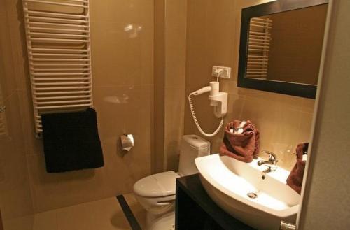 Łazienka w obiekcie Hotel Altamira