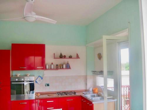 Cucina o angolo cottura di Casa al mare con terrazza