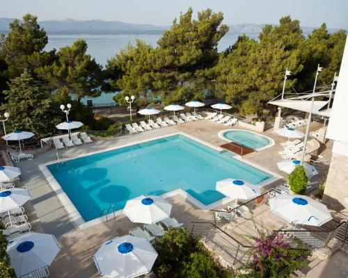 A view of the pool at Bluesun Hotel Borak or nearby