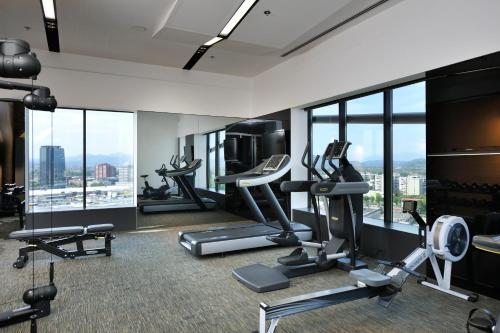 Centrum fitness w obiekcie Radisson Blu Plaza Hotel Ljubljana