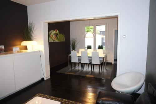 A kitchen or kitchenette at Apartment At Ghent