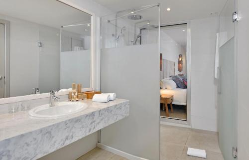 A bathroom at INNSiDE by Meliá Fuerteventura – Adults Only