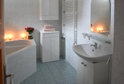 Koupelna v ubytování Hotel Jaškovská Krčma