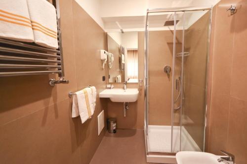 Bagno di 7th Floor Suite