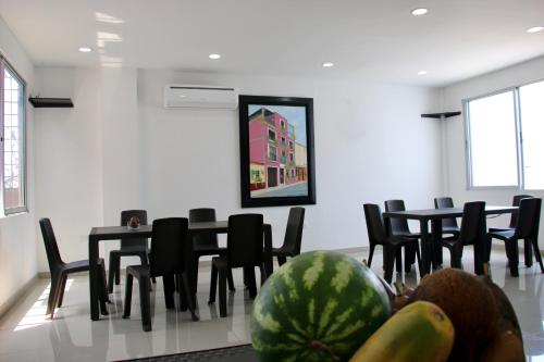 Un restaurante o sitio para comer en Hotel Calle Santodomingo