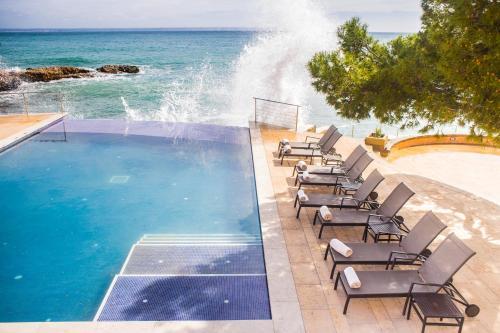 Piscina di Hotel Hospes Maricel y Spa o nelle vicinanze