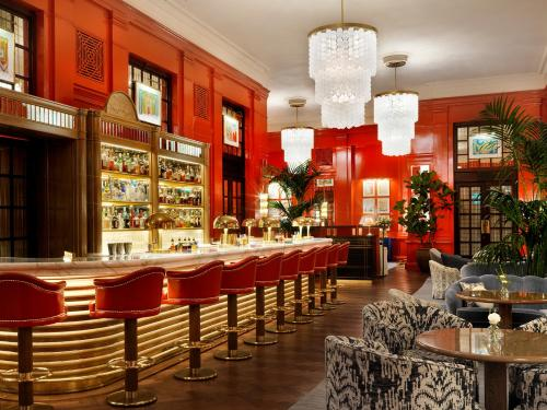 A restaurant or other place to eat at The Bloomsbury Hotel