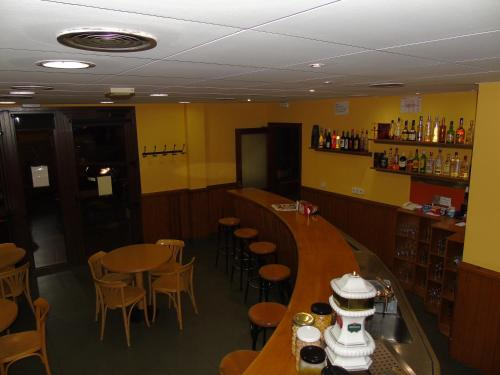A restaurant or other place to eat at Pensio La Creu