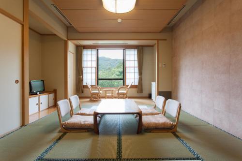 A seating area at Okutamaji