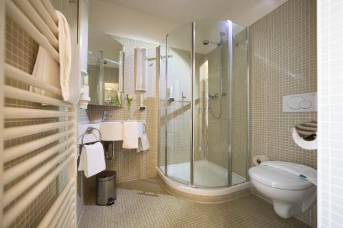 Ein Badezimmer in der Unterkunft Hotel der Freiraum