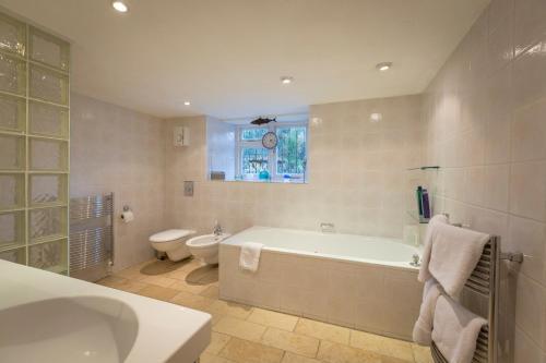A bathroom at Grosvenor Villa