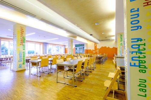 A restaurant or other place to eat at HI Munich Park Youth Hostel