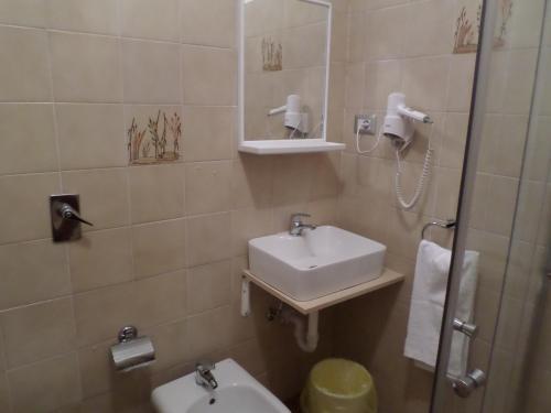 A bathroom at Villa Ester