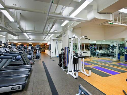 The fitness center and/or fitness facilities at City Club Hotel