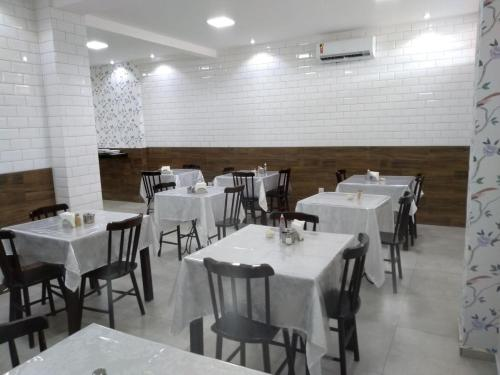 A restaurant or other place to eat at Hotel Imperial