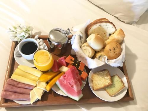 Opções de café da manhã disponíveis para hóspedes em Pousada Flor de Maraca