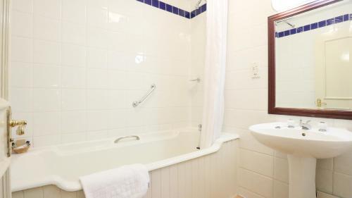 A bathroom at The Lion Hotel Shrewsbury