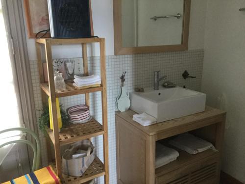 Salle de bains dans l'établissement Villa Delphina
